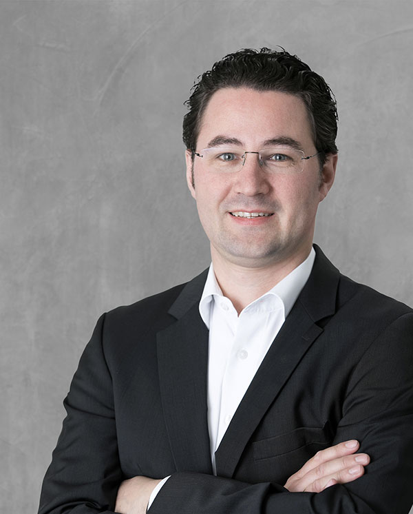 Dr. Thomas Raueiser
